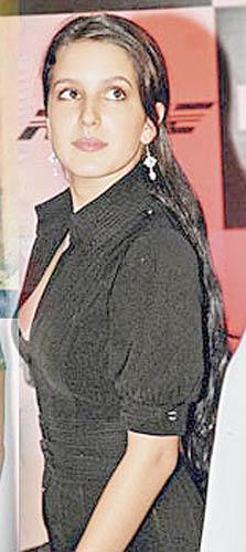 Indian Hot Hot Katrina Kaif Sister Mms-8535