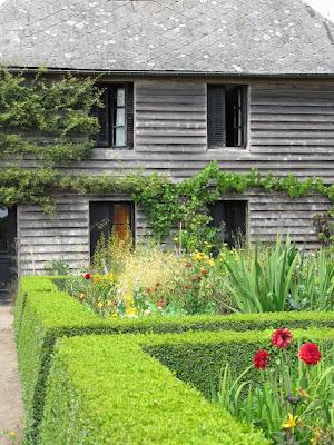 paradis express le jardin plume. Black Bedroom Furniture Sets. Home Design Ideas