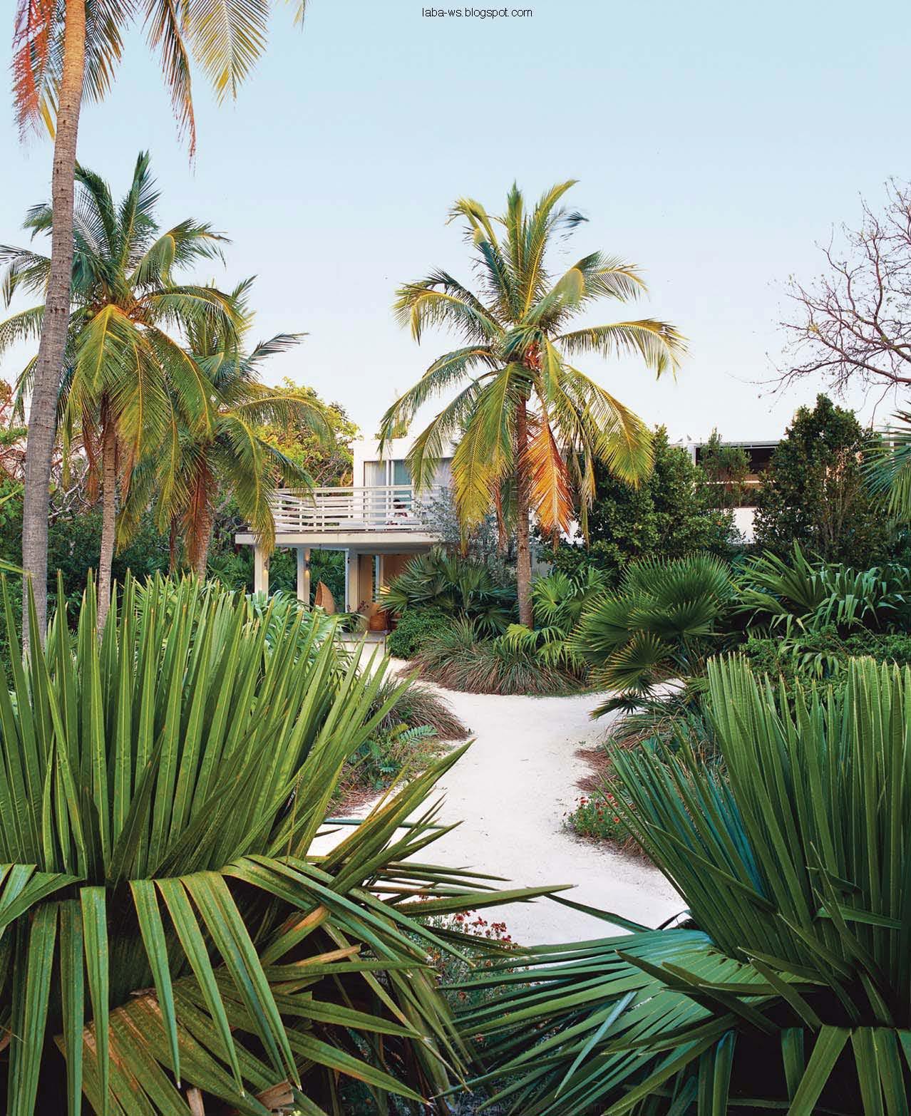Garden Decor Magazine: Paradis Express: Garden Design Magazine, JAN-FEB. 2010