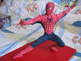 Marvel Spider-man 12 inch Icon Legends Battle Damaged