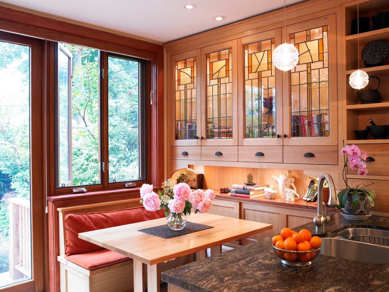 Gordon Wright: Kitchen Cabinet Windows in Toronto