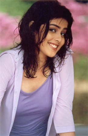 Bollywood Artis Movies Wallpapers Genelia D Souza Hot Pictures Wallpapers Genelia D Souza Biography Photos