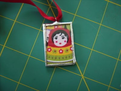 How to make soldered and non soldered glass pendants the beading graceful designs has a thorough tutorial on how to make soldered glass pendant sharing many tips she starts off with microscope slides which saves you aloadofball Image collections