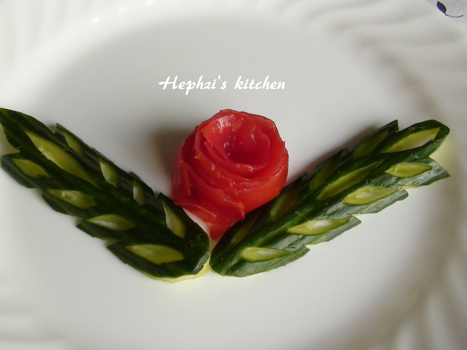 Vegetable Carving With Tomato and Vegetable carving