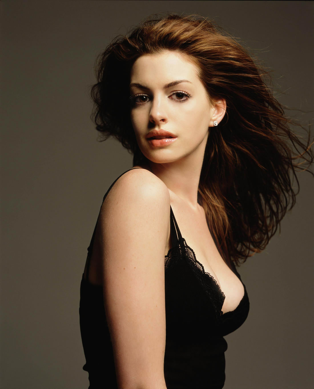 anne hathaway fakes