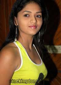 Sunaina boob show