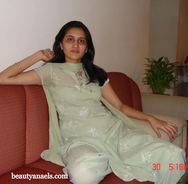 Beautiful Muslim Girls Pakistani Hot Aunties Gallery