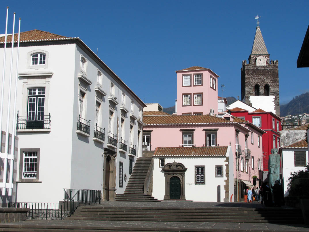 collors and buildings