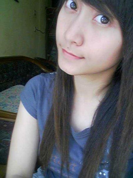 """""""Gadis SMA Cantik"""""""