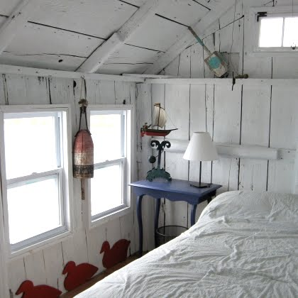 tiny house bedroom