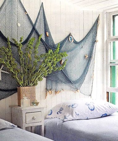 nautical bedroom wall decor design idea with fish net