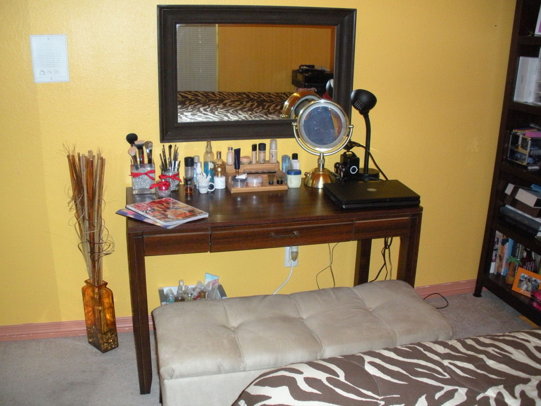 Drop Dead Gorgeous Organization Makeup 2010