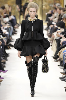 Louis Vuitton 2009 runway, louis vuitton boots, tall boots, over the knee thigh high boots, sexy boots, victorian boots, Vuitton shoes, louis vuitton fall winter 2009, boots, shoes, victorian