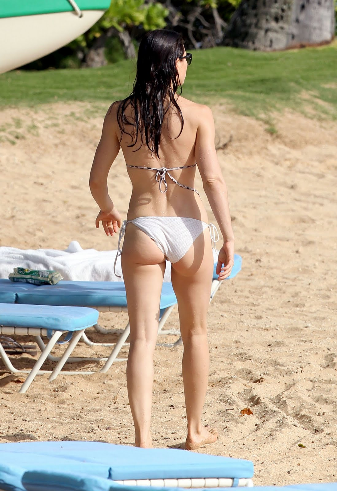 STYLE BLOGGER: Hot Hollywood Actress Jessica Biel Bikini 2011 Jessica Biel