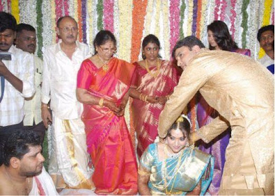 Actress Meena S Marriage Took Place At Tirupathi On July 12th Married Vidyasagar A Engineer In Bangalore Their Reception