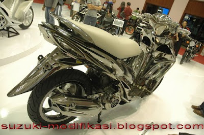 Galery Gambar Motor Suzuki Lawas New automotive Suzuki Bandit 1250 Best Picture Gallery 400x266