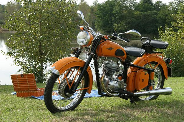 MOTOS PARA EL RECUERDO DE LOS ESPAÑOLES-http://4.bp.blogspot.com/_rEhkmFqBmF4/S2sv9UulETI/AAAAAAAAL70/xQ-x10B078A/s640/moto_gima.jpg