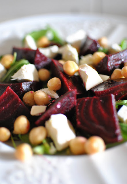 Scandi Home Salad Of Beets Chickpeas And Feta