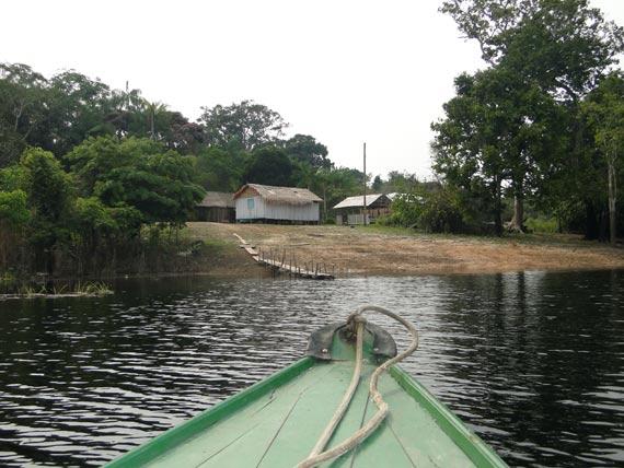 Amazonia: chegando a casa de caboclos