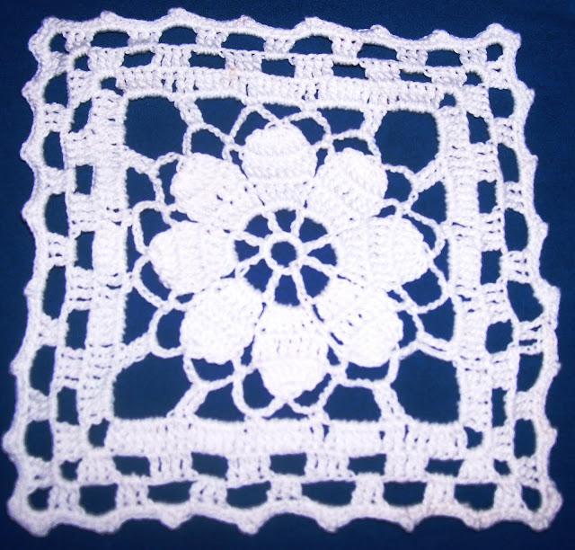 Tejer al crochet cuadros grannys con flor
