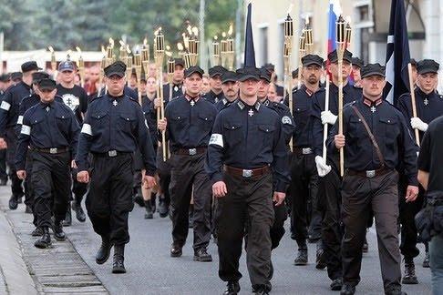 TERROR MAGYARORSZÁGON  AUGUSZTUS 28 - SZLOVÁK GÁRDA LEHET 5f29f08f53