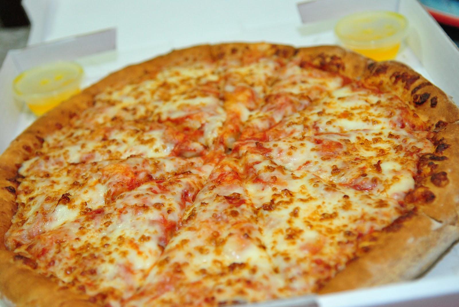 Food Health Reviews: Papa John's Pizza now in Manila