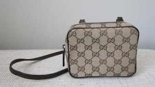 e079a8d31158 Luxurybags4me: Gucci Small sling pouch (NEW)