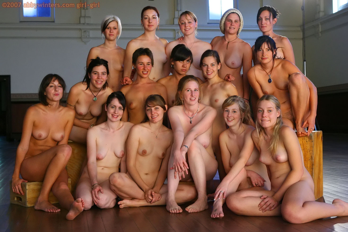 Group Of Nude Pregnant Women-8402
