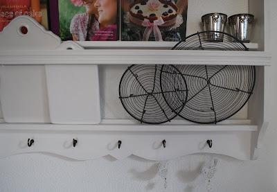 mamas kram tellerregal. Black Bedroom Furniture Sets. Home Design Ideas