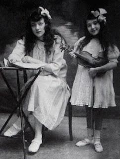 Las hermanas Reisenberg, Nadia la pianista y Clara la violinista