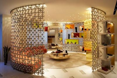 Центр современного искусства Луи Виттон находится в одноимённом магазине...