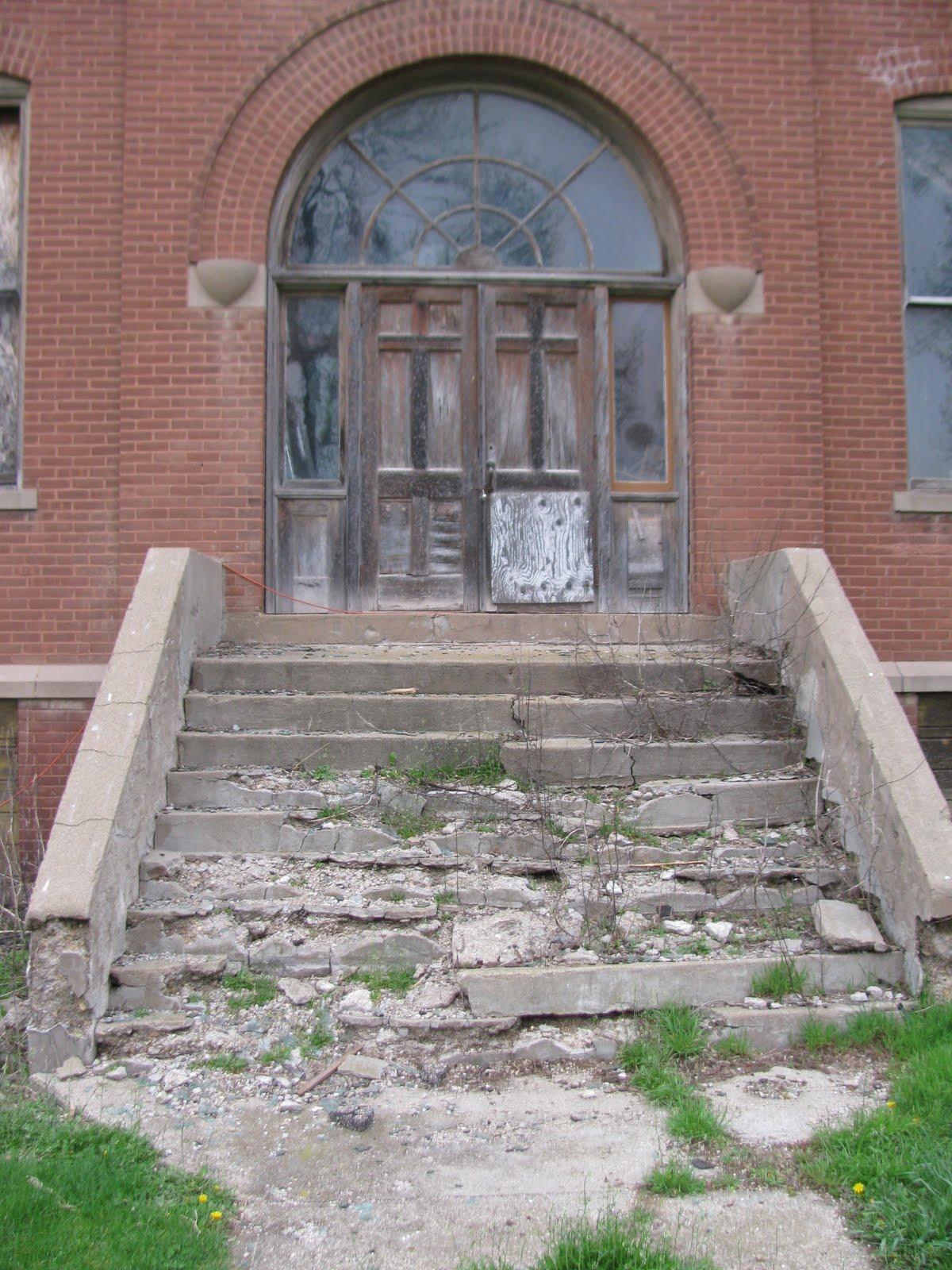 Abandoned MN: Abandoned Schoolhouse 1911 Louisburg, MN