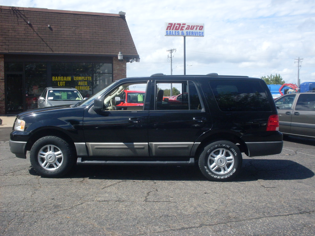 Ride Auto 2003 Ford Expedition Xlt 4 Door 3rd Seating 5