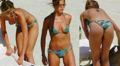 jennifer aniston tanning naked