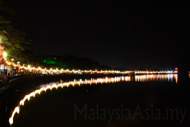 Night Photo of Kuching Main Bazaar