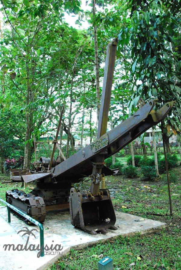 Malaysia WWII Excavator
