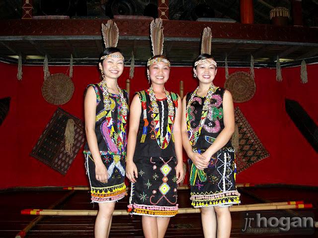Sabah Dusun Girls