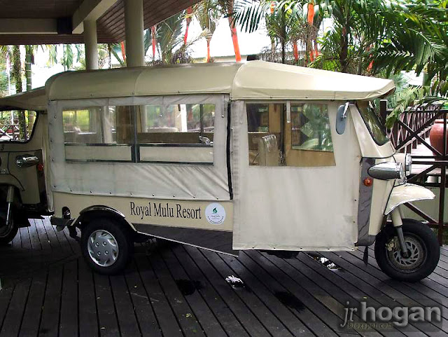Tuk Tuk Mulu Resort