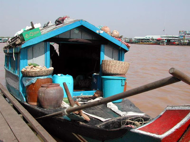 Floating shop Tonle Sap