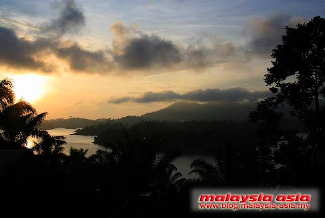 Sunset at Tasik Kenyir
