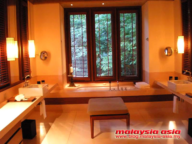 Bathroom of Datai Villa
