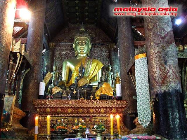 Luang Prabang Golden Buddha Statue