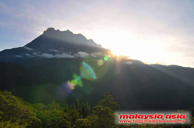 Sunrise at Mount Kinabalu