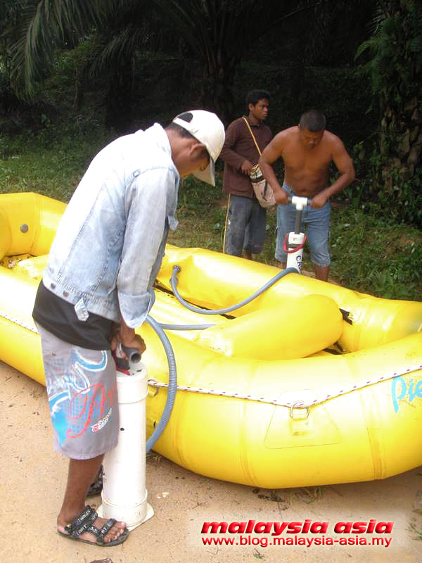 Perak White Water Rafting Equipment