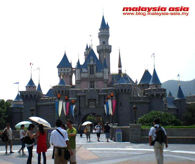 Enchanted Castle Hong Kong Disneyland