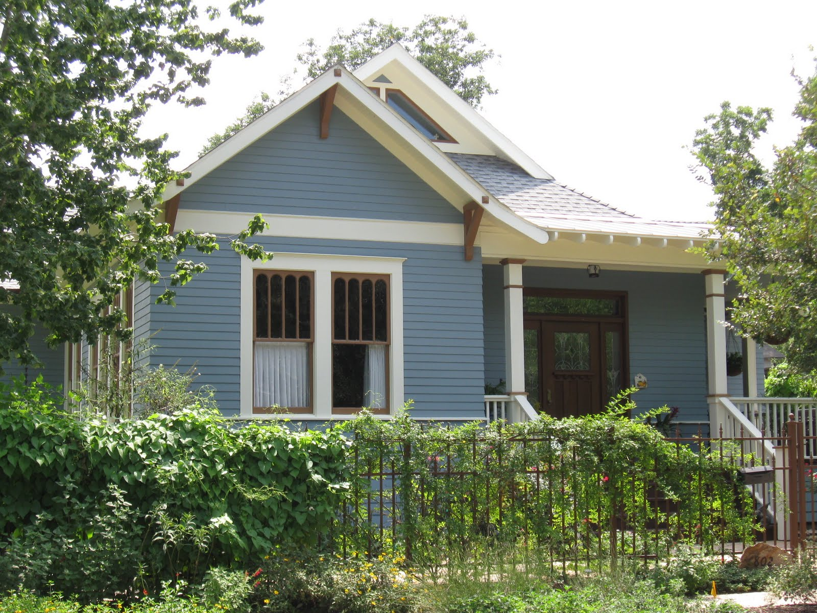 The OtHeR HoUsToN: 2007 COTTAGE GARDEN IN WOODLAND HEIGHTS