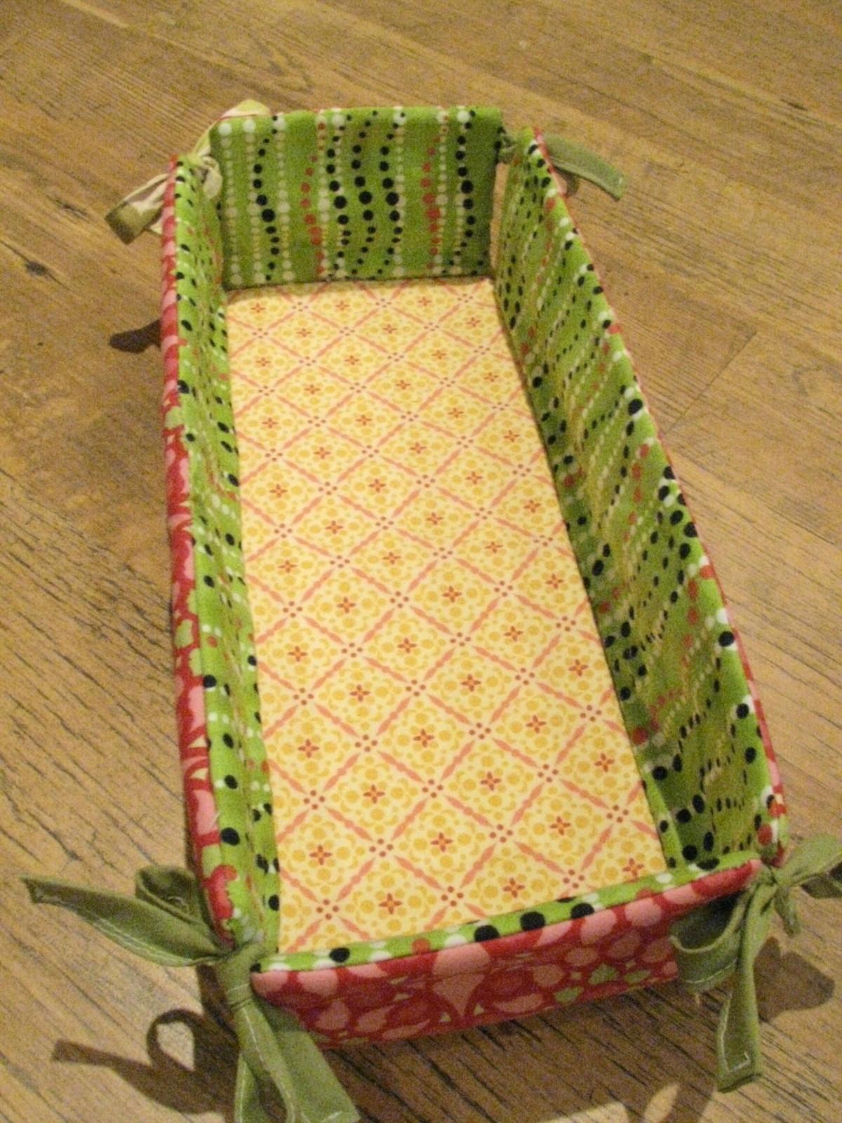 Maevy's Corner: Fabric Basket Prototype
