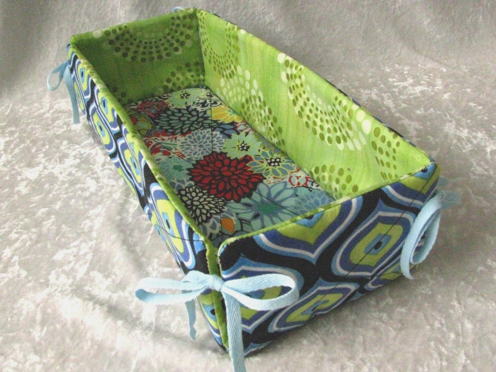 Maevy's Corner: Fabric Basket Tutorial
