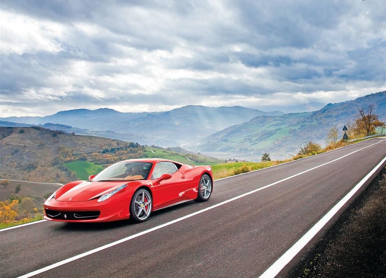 Best Wallpapers: Ferrari 458 Italy Wallpapers