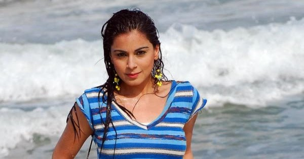 Shraddha Arya, Latest Hot Images Of Posani's Girl